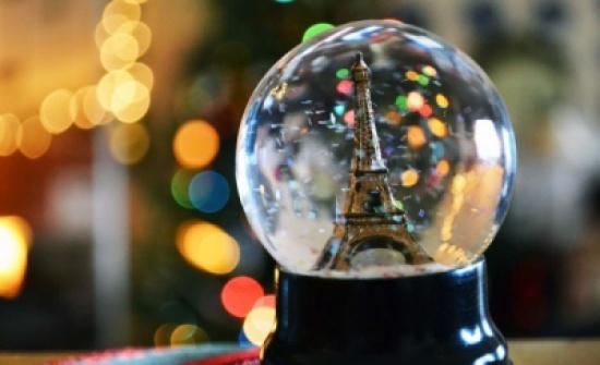 العالم في كرة زجاجية تمنحك الاسترخاء والإبداع.. اصنعها بنفسك