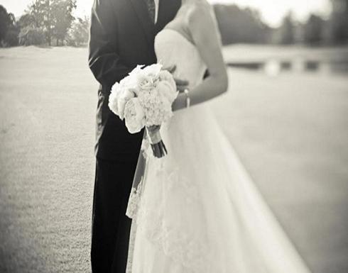 بالصورة.. زفاف عروسين داخل الرعاية المركزة في بريطانيا