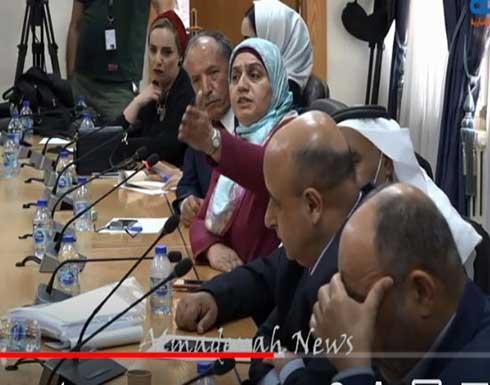 فيديو: شاهد اجتماع لجنة التعليم بأبو قديس والناصر عن التعليم الوجاهي وانهاء خدمات 1200 معلم بدون تقاعد