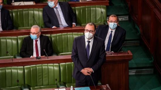 أزمة تونس تراوح.. دعوات لاستقالة المشيشي والغنوشي