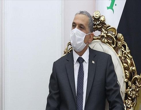 العراق.. محتجون يمنعون وزير الداخلية من دخول مبنى محافظة ذي قار