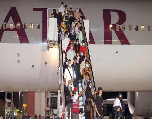 زلماي زاد: أكثر من 250 أجنبيا سافروا من كابل على مدار الأيام الثلاثة الماضية