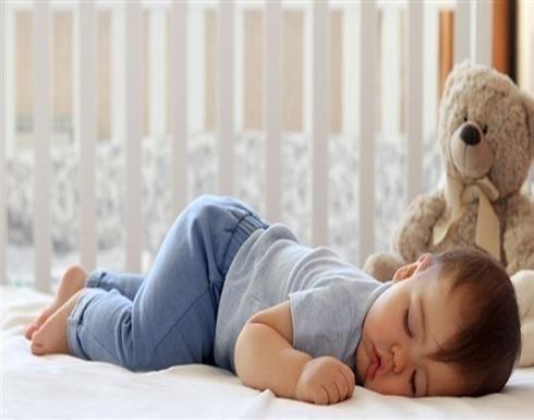 فوائد نوم الرضيع على بطنه .. تعرفي عليها