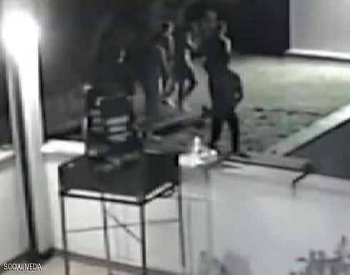 اعتداء جماعي على قاصرتين.. والكاميرات تضبط المجرمين في ايطاليا