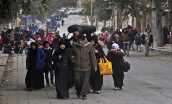 الأمم المتحدة: 30 ألفا فروا من شرق حلب وروسيا تريد إقامة ممرات إنسانية