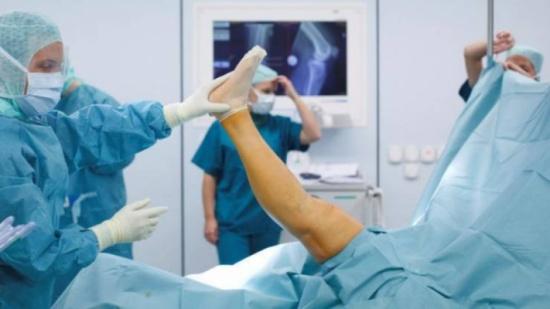 دراسة: جراحة الركبة بلا جدوى للمرضى عند 65 عاماً