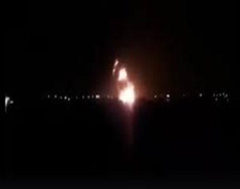 شاهد : طائرات حفتر تدمر طائرة اسلحة تركية وانفجارات بكلية مصراتة الجوية