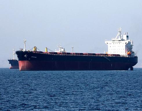 إيران تتحدى أمريكا: مستمرون ببيع النفط.. وأسعاره ترتفع