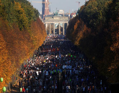 عشرات الآلاف يتظاهرون في برلين ضد العنصرية