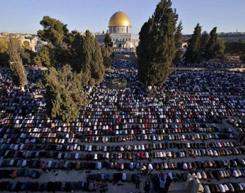 ربع مليون مصل أدوا صلاة الجمعة الاخيرة من رمضان في الاقصى