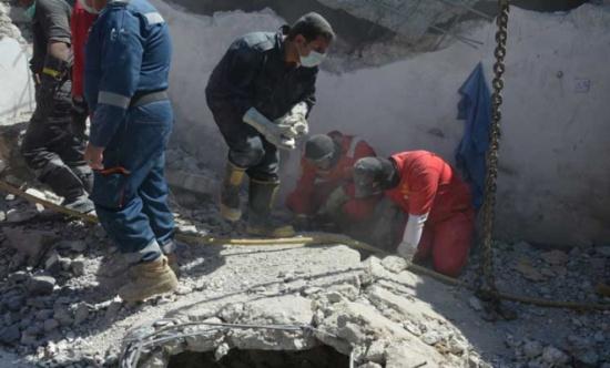 مقتل عائلة من 8 أشخاص بقصف جوي غربي الموصل