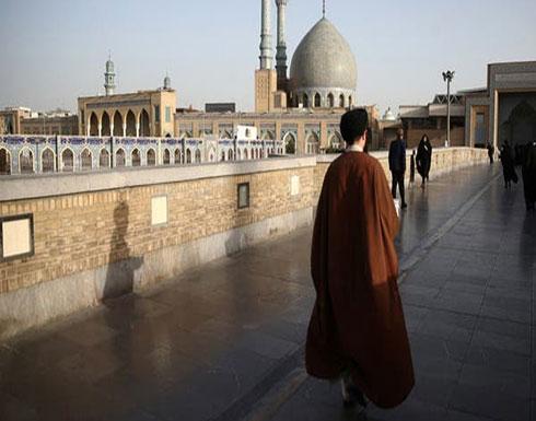بسبب كورونا.. إيران تمنع الصلاة في المساجد حتى إشعار آخر