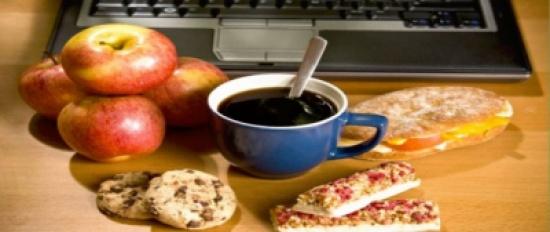 للتخلص من الوزن الزائد أثناء الجلوس في المكتب.. إليكم الخطوات