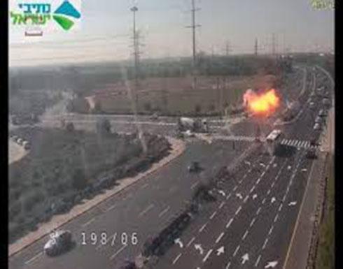 شاهد : لحظة سقوط صاروخ من غزة على طريق سيار في اسرائيل