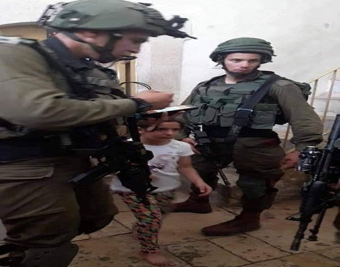 الاحتلال يستدعي طفلة (8 سنوات) من الخليل للتحقيق