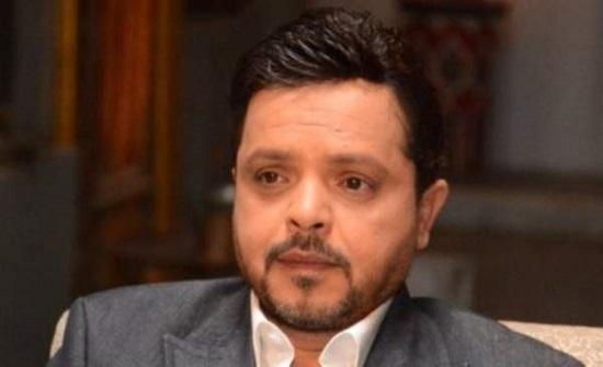بالصور : محمد هنيدي يسخر من شارب أمير كرارة.. والأخير يرد عليه