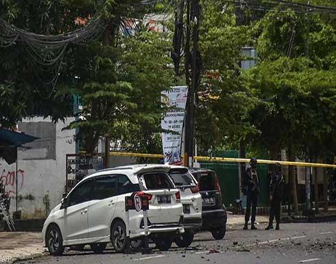 شاهد : لحظة التفجير على الكنيسة في إندونيسيا