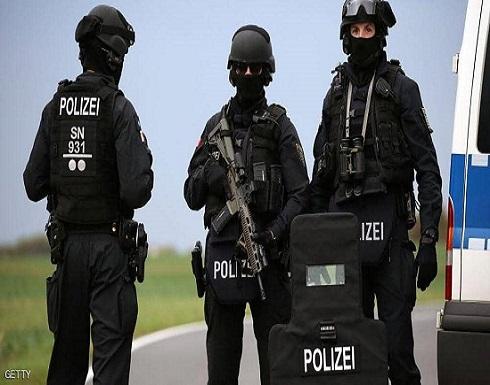 لصلتها بجرائم إرهابية.. الشرطة الألمانية تداهم 20 منزلا