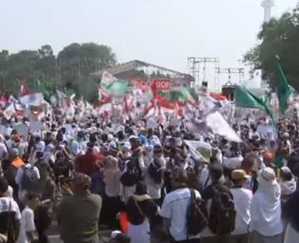 شاهد ..  احتجاجات في إندونيسيا تطالب بإرسال المزيد من المساعدات لمسلمي الروهينغا