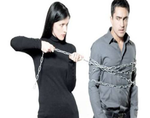 هل يمكن للمرأة أن تجبر الرجل على العلاقة الحميمة ؟ العلم يجيب!