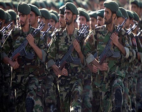 إيران تكشف عن أسلحة جديدة خلال عرض عسكري