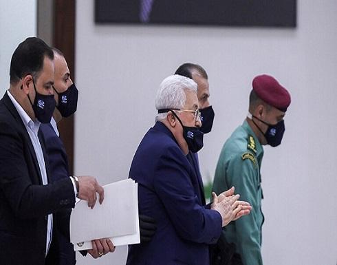 على متن طائرة أردنية.. عباس يتوجه إلى القاهرة