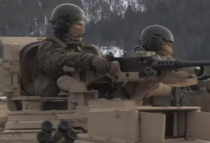 شاهد .. آليات عسكرية أميركية تشارك في مناورات حلف شمال الأطلسي