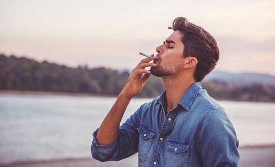 """منظمة الصحة العالمية: شركات التبغ تستخدم طرقاً """"مميتة"""" لاصطياد الشباب"""