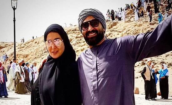 شاهد… احمد سعد يغازل زوجته سمية الخشاب