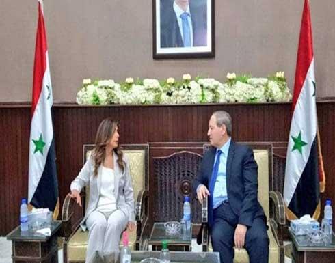 """علم لبنان غائب في اجتماع دمشق.. وغضب على """"التواصل"""""""