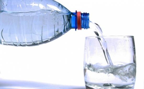 ما هي كمية الماء التي يجب أن نشربها يومياً؟