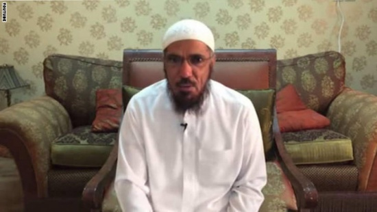 الداعية سلمان العودة يدافع عن المثليين ويصف من يكفرهم بالخوارج (فيديو)