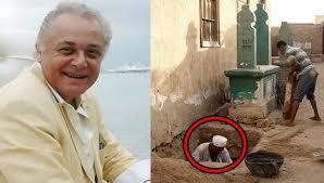 عامل بمقبرة الراحل محمود عبد العزيز يكشف ظاهرة غريبة تحدث يومياً!
