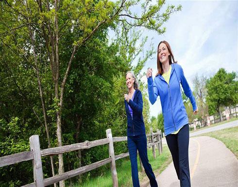المشي 10 دقائق يومياً يحمي من الإعاقة.. إليكم التفاصيل