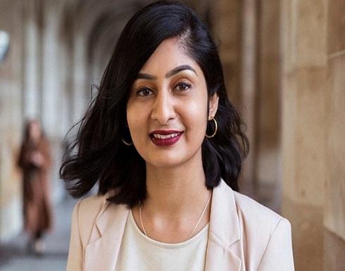 نائبة بريطانية مسلمة تروي بتأثر تجربتها مع العنصرية (فيديو)