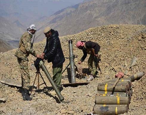 مقاتلون مناهضون لطالبان في وادي بانشير يخرجون أسلحتهم الثقيلة استعدادا للمواجهة