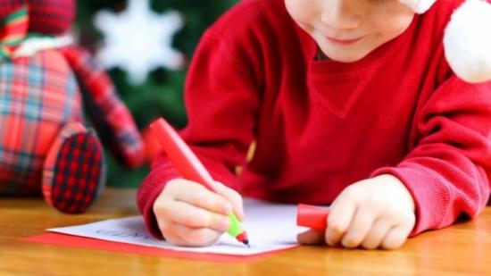 """أغرب رسالة من طفل إلى بابا نويل.. """"حياتك خاوية"""".. ولن أخبرك باسمي"""