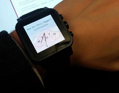 باحثون يبتكرون ساعة ذكية جديدة تتحكم بها بنظرة عينك