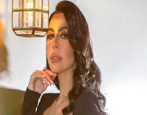سقوط ليلى إسكندر على المسرح أثناء إحيائها حفل زفاف .. بالفيديو