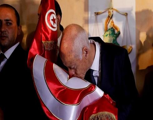 الرئيس التونسي يتهم أطرافا بالسعي إلى جلب مرتزقة من الخارج