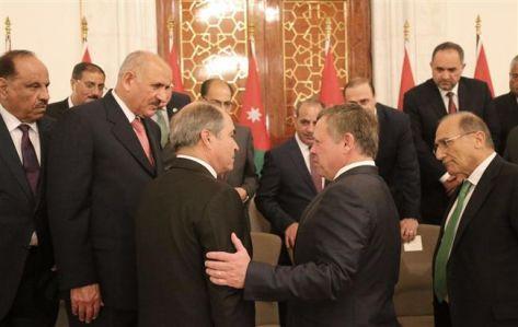 وزراء الملقي يقدمون استقالاتهم