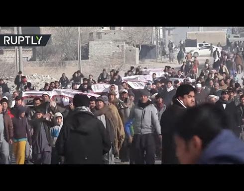 شاهد : احتجاجات قرب نعوش عمال مناجم قتلوا في باكستان