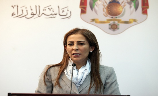 غنيمات : الحكومة ترصد وتتابع جميع القضايا التي تشغل بال الاردنيين  - تفاصيل