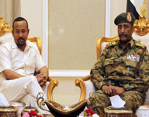 سودانيون يهتفون بحرارة لرئيس الوزراء الإثيوبي (شاهد)