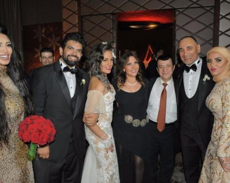 بالصور- شاهدوا كيف أطلت شيرين في حفلة زفاف بالقاهرة؟ وظهور نادر لزوجة علي الحجار