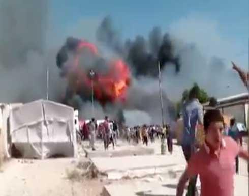 شاهد : حريق يلتهم 130 خيمة للنازحين في دهوك العراقية