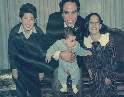 أسرار قصة عادل إمام مع زوجته.. بدأت بمعاكسة وانتهت بثلاثة أولاد