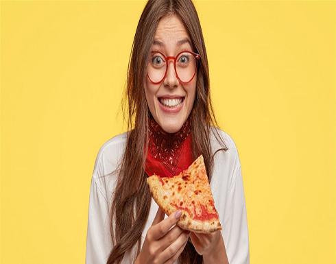 ما سبب تميُّز مذاق البيتزا عند تناولها باردةً؟