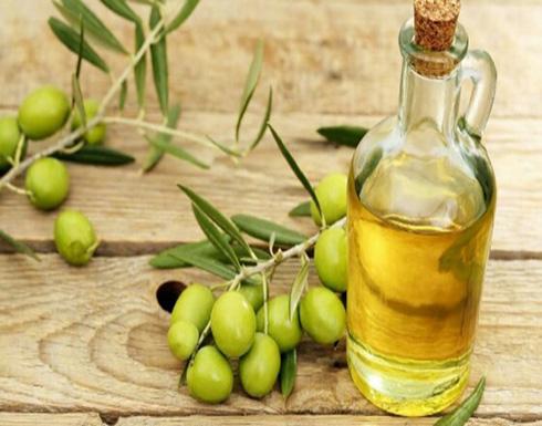 4 وصفات لـ «زيت الزيتون» تساعدك على حماية بشرتك من الجفاف