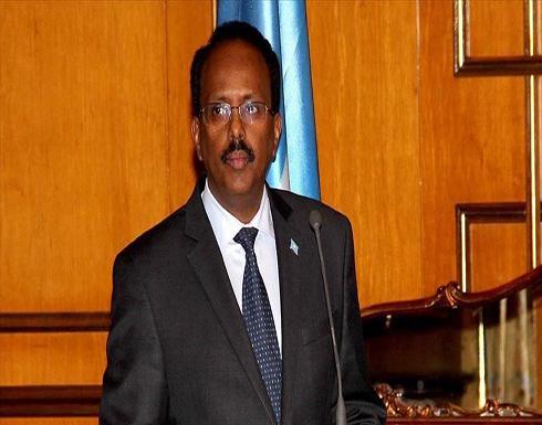 الرئيس الصومالي يصادق قرار سحب الثقة من الحكومة